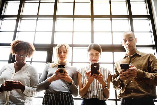 10 Proven Ways to Improve Workplace Team Communication